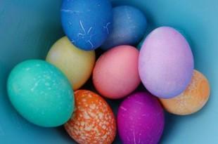 decorare e colorare uova