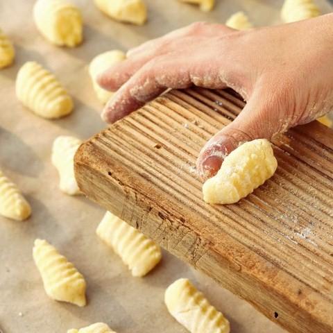 Ricetta Gnocchi Di Patate Novelle.Gnocchi Di Patate Ecco Come Prepararli A Casa Tecnichef