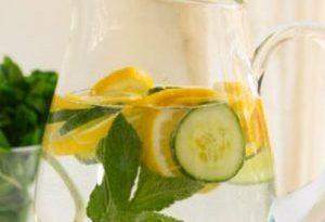 acqua aromatizzata menta e limone
