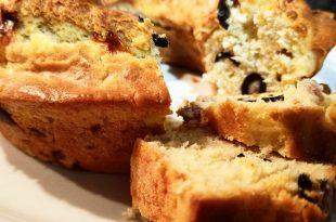 ciambellone olive scamorza e prosciutto