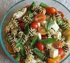 insalata di pasta colorata
