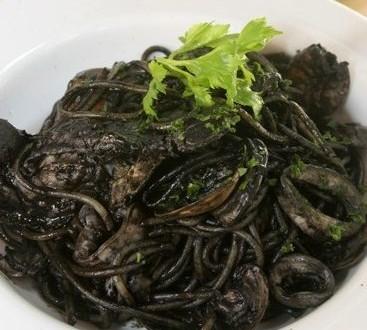 Come fare il risotto al nero di seppia: ricetta del primo ...