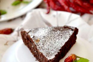 una torta sopra le righe