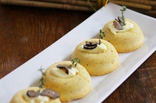 La ricetta dei frollini al tartufo con spuma di parmigiano